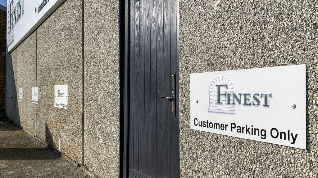Finest - Customer Parking Signs