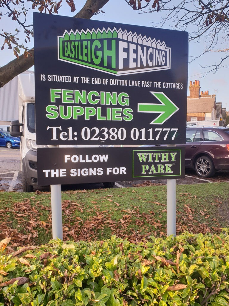 Eastleigh Fencing waypoint sign